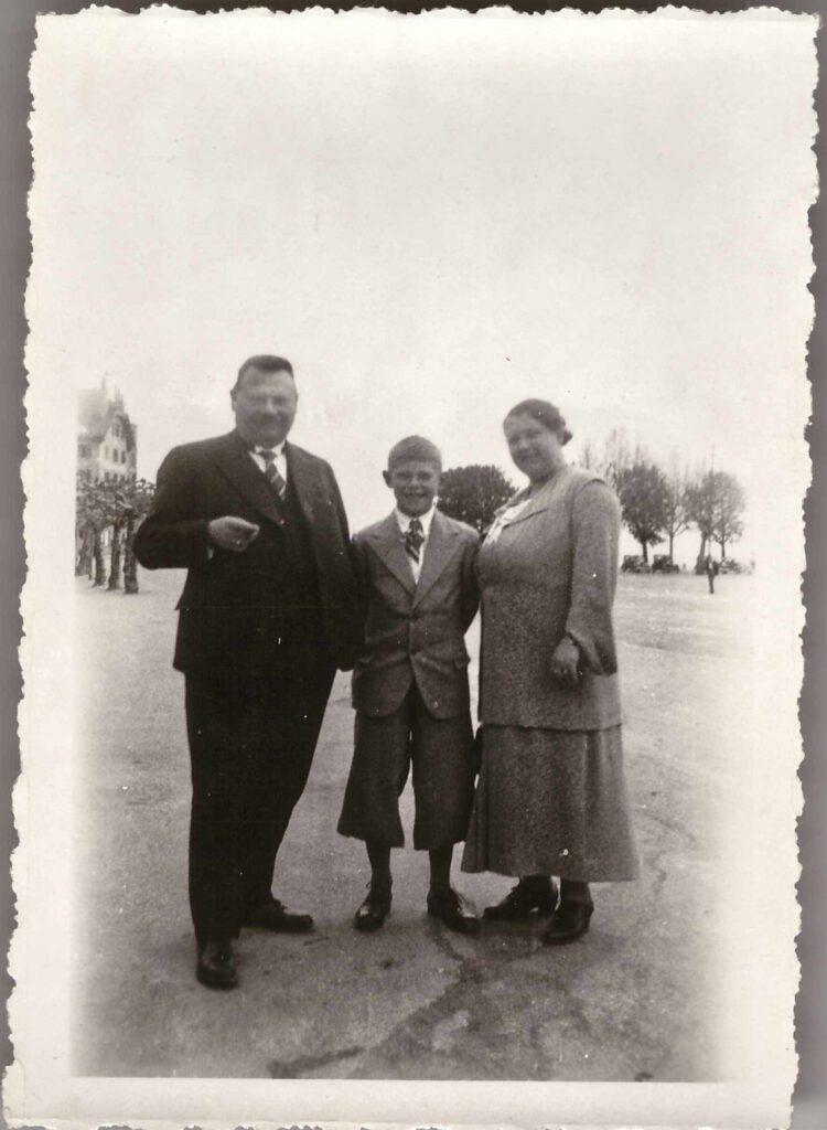 Bild: Albert und Maria Gürtler-Baumann mit Sohn Kurt, ca. 1936 möglicherweise in Vevey