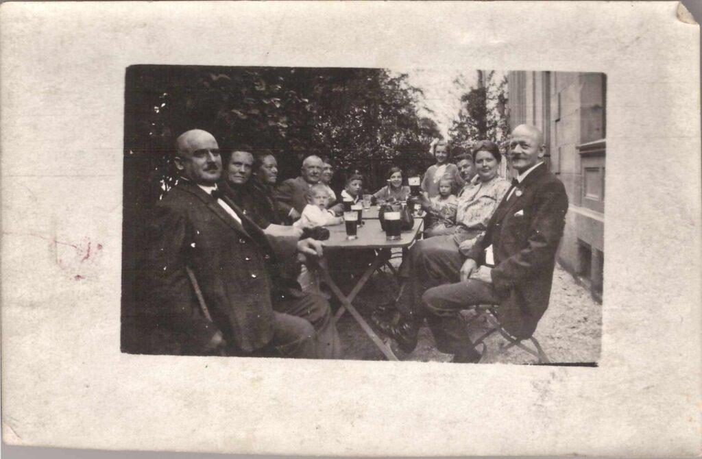 Bild: Gruppenbild u.a. mit Familie Gürtler-Baumann, unbekanntes Datum