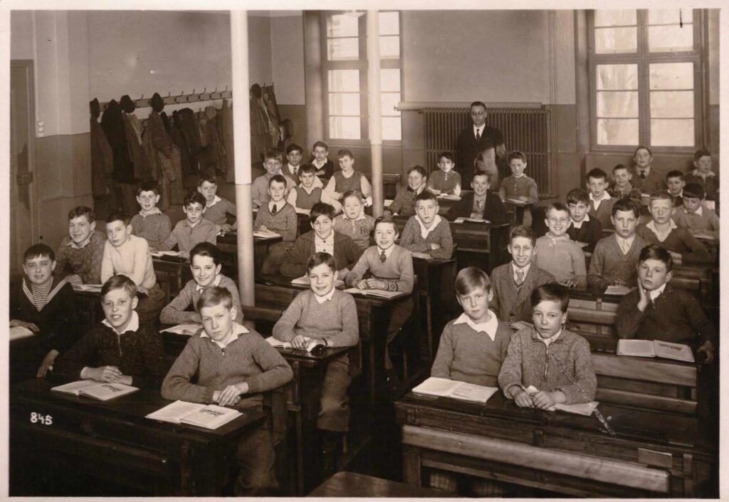 Bild: Klassenfoto ca. 1930, Schulhaus unbekannt (ev. Rheinschulhaus in Basel)