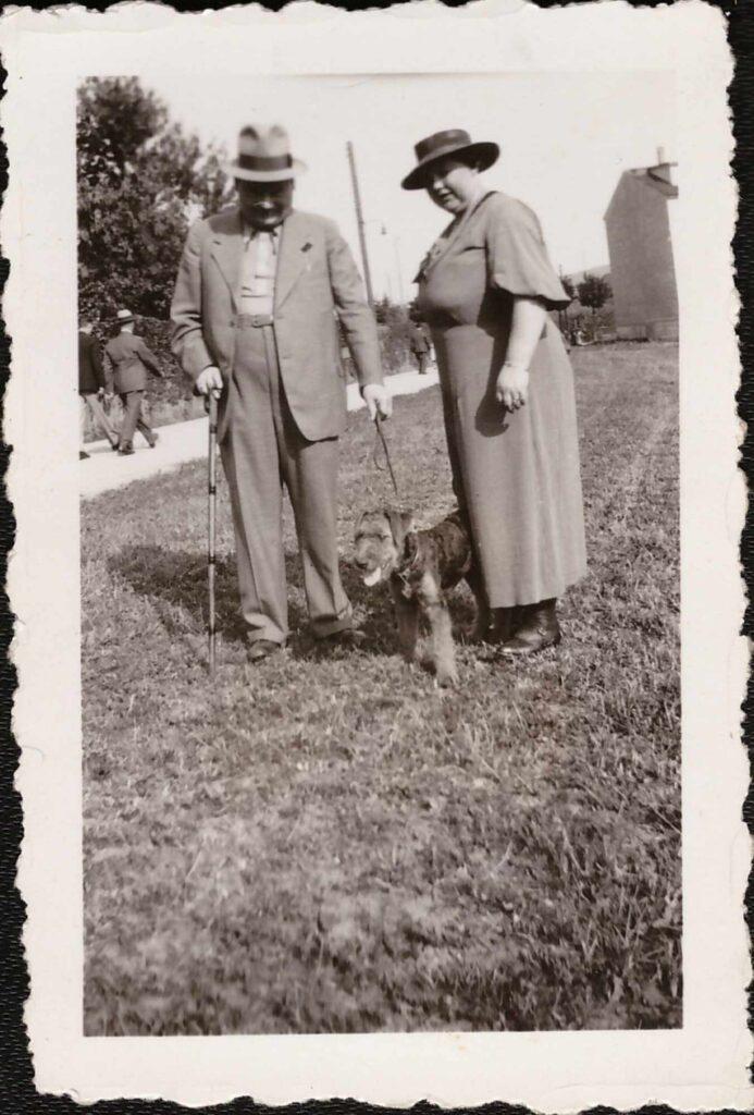 Bild: Maria und Albert Gürtler-Baumann mit Hund Rex