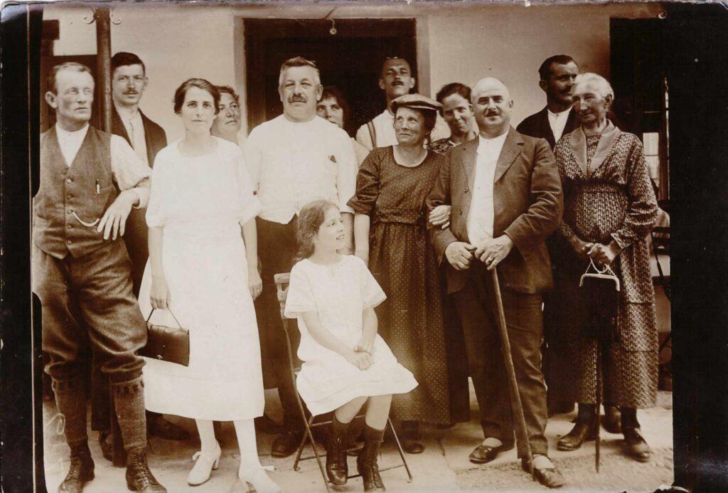 Bild: Familienbild, unbekannte Personen
