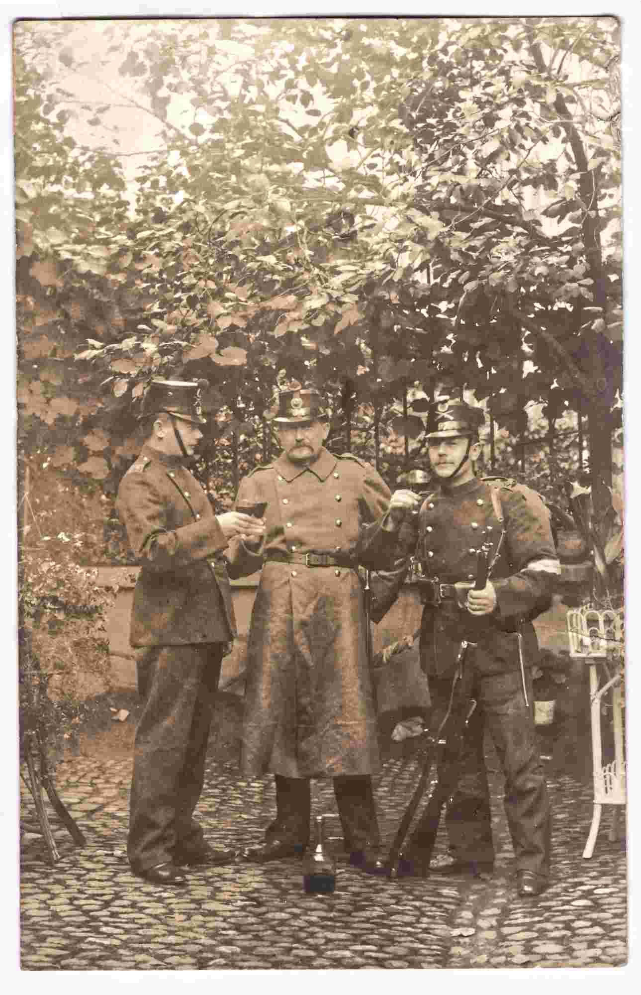 Bild: Guppenfoto mit Albert Gürtler-Baumann, links