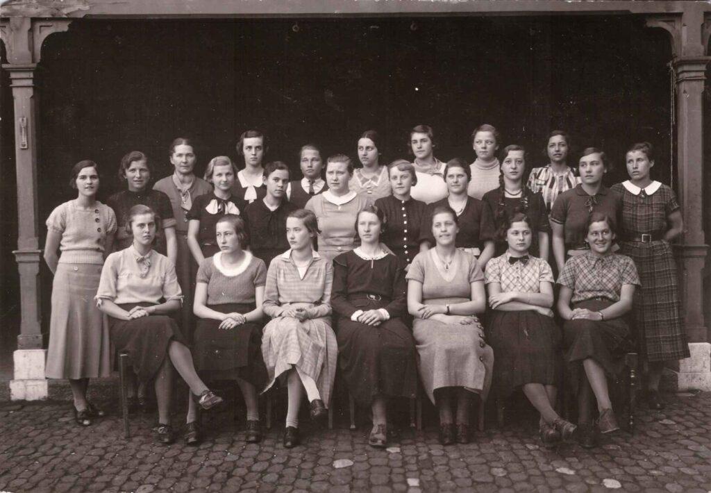 Bild: Klassenfoto Gertrud Gürtler (Mitte) ca. 1933