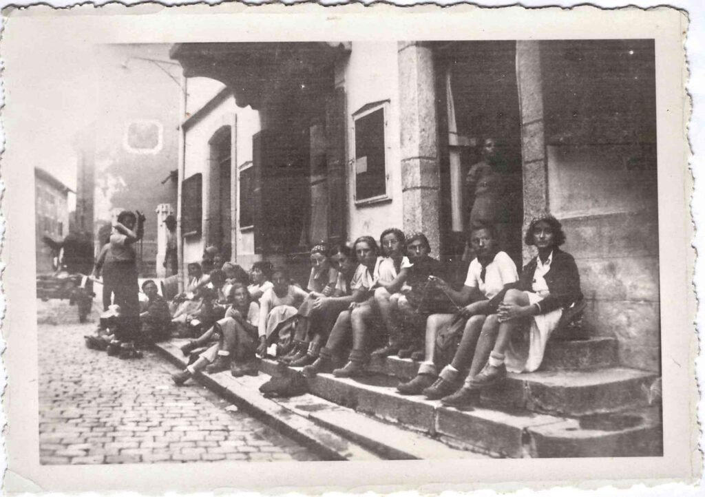 Bild: Gruppe aus Mädchenpensionat La Romande in Vevey (1935)