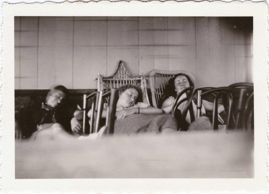 Bild: Gruppenbild aus dem Mädchenpensionat La Romande in Vevey (1935)