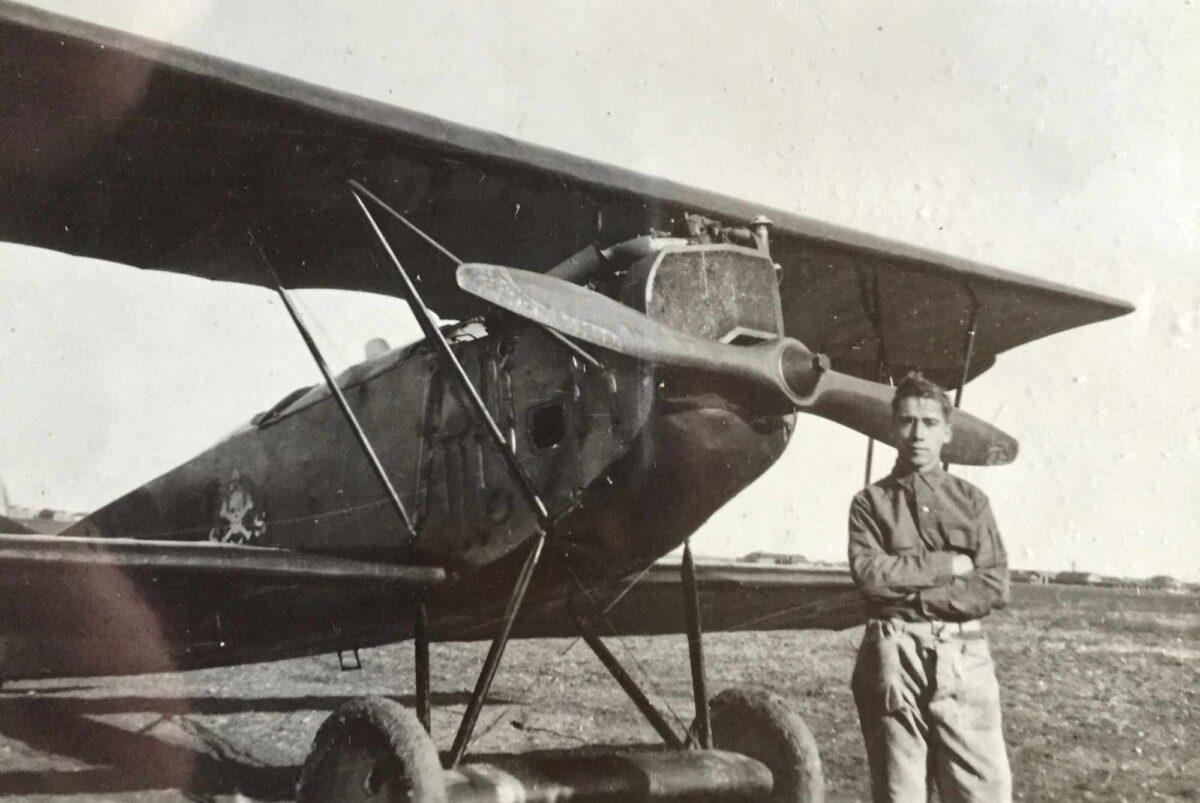 Bild: William Wilhelm Leemann with Curtiss Jenny Aircraft