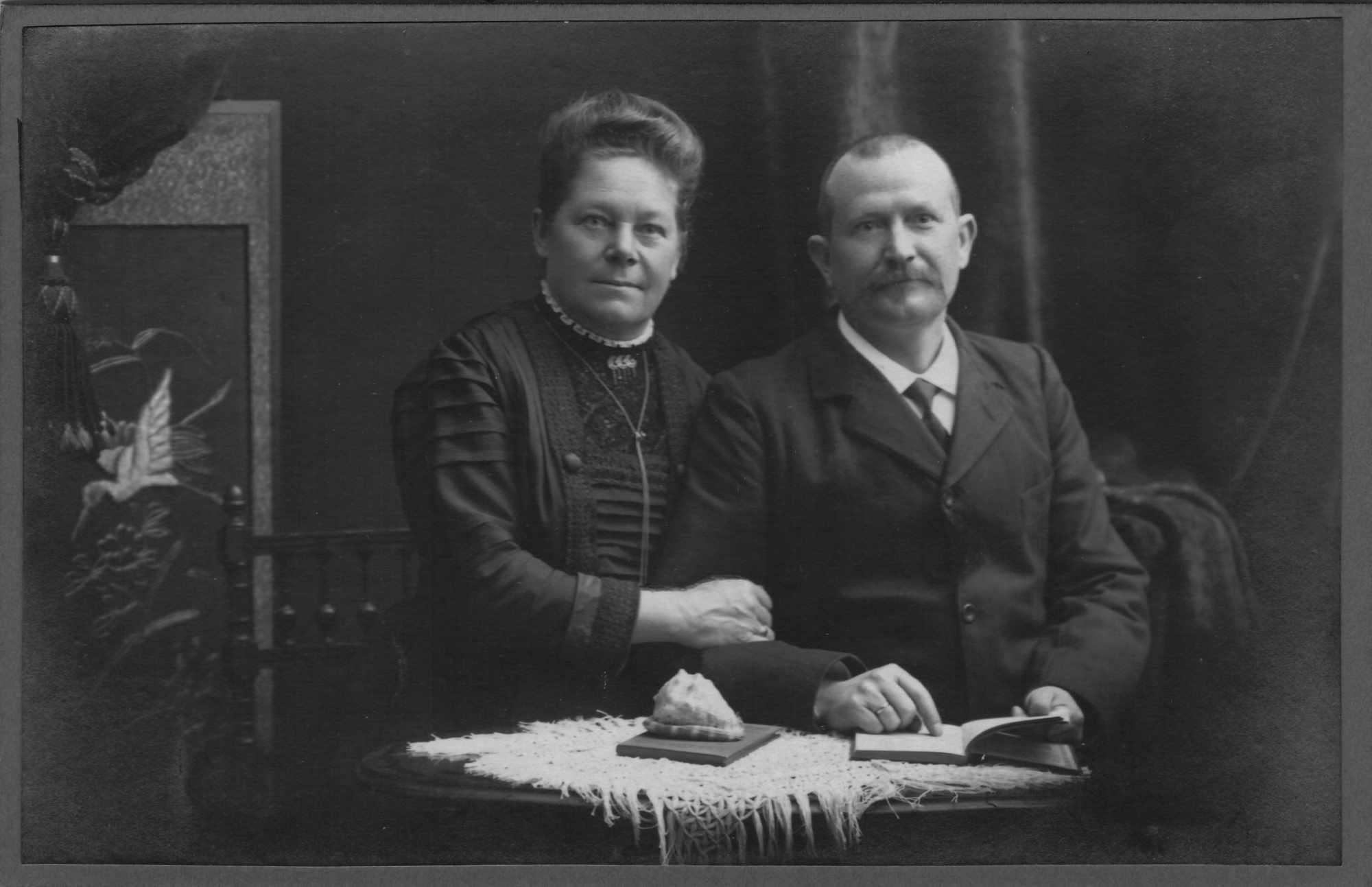 Bild: unbekannte Personen ev. Eltern von Maria Gürtler