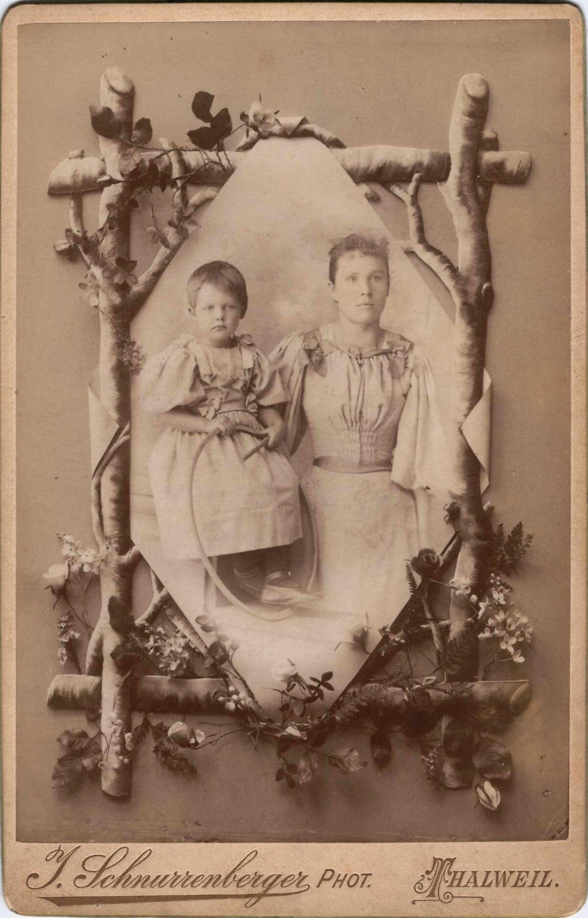 Bild: unbekannte Personen ev. Maria Gürtler mit Mutter