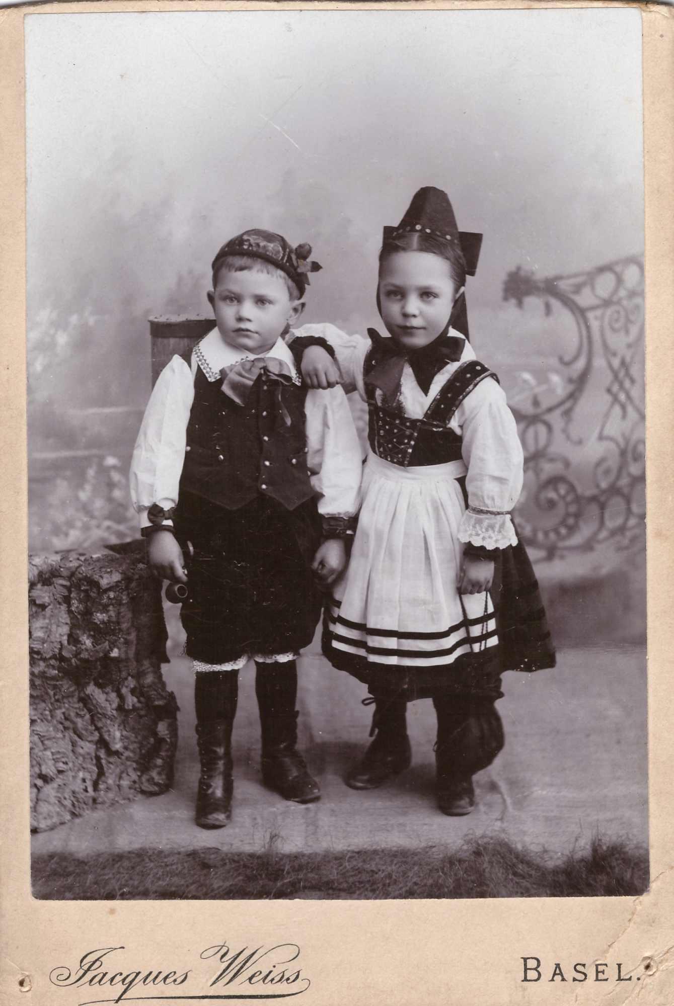 Bild: Fotostudio-Aufnahme, unbekannte Kinder
