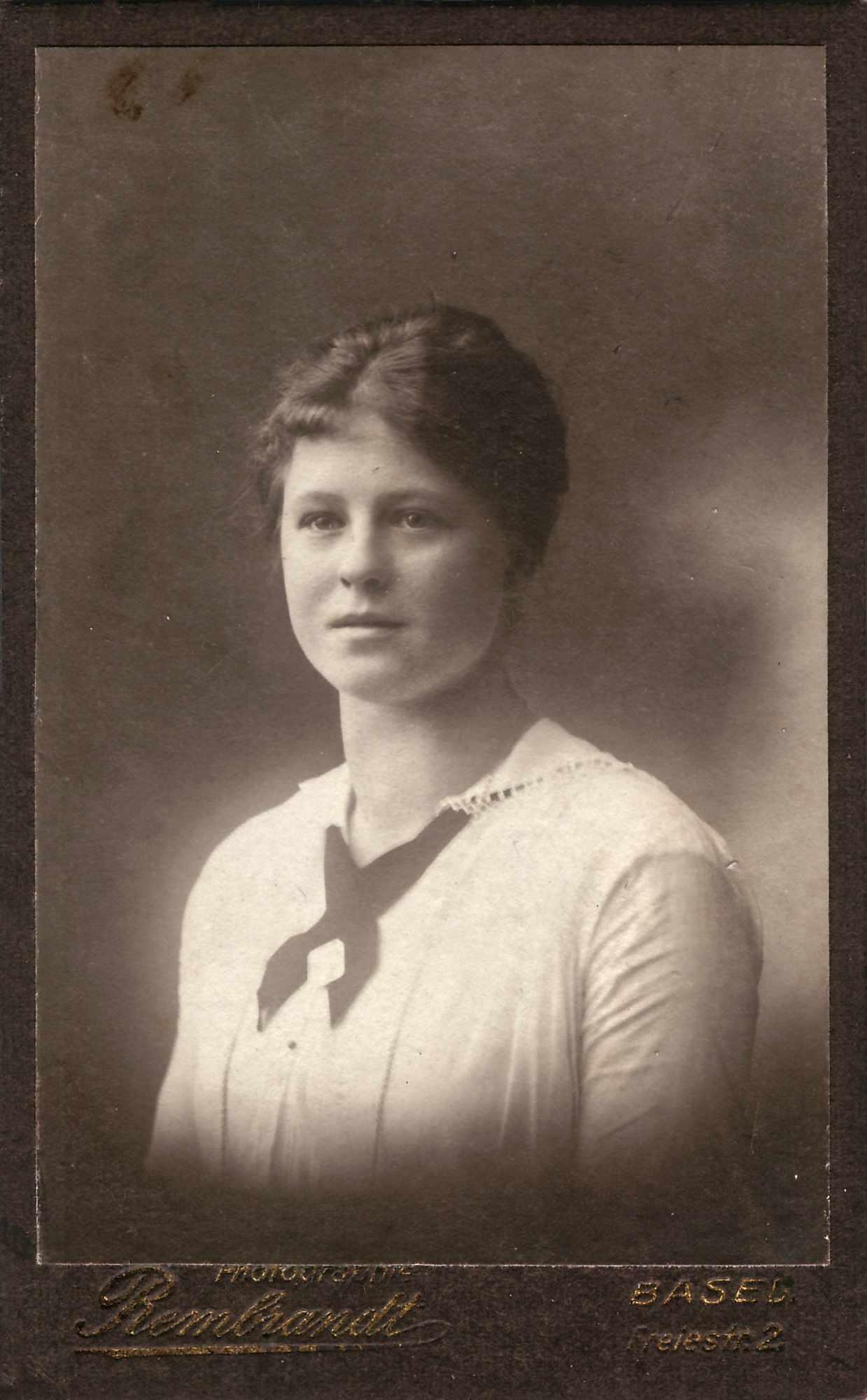 Bild: unbekannte weibliche Person (ev. Maria Gürtler)
