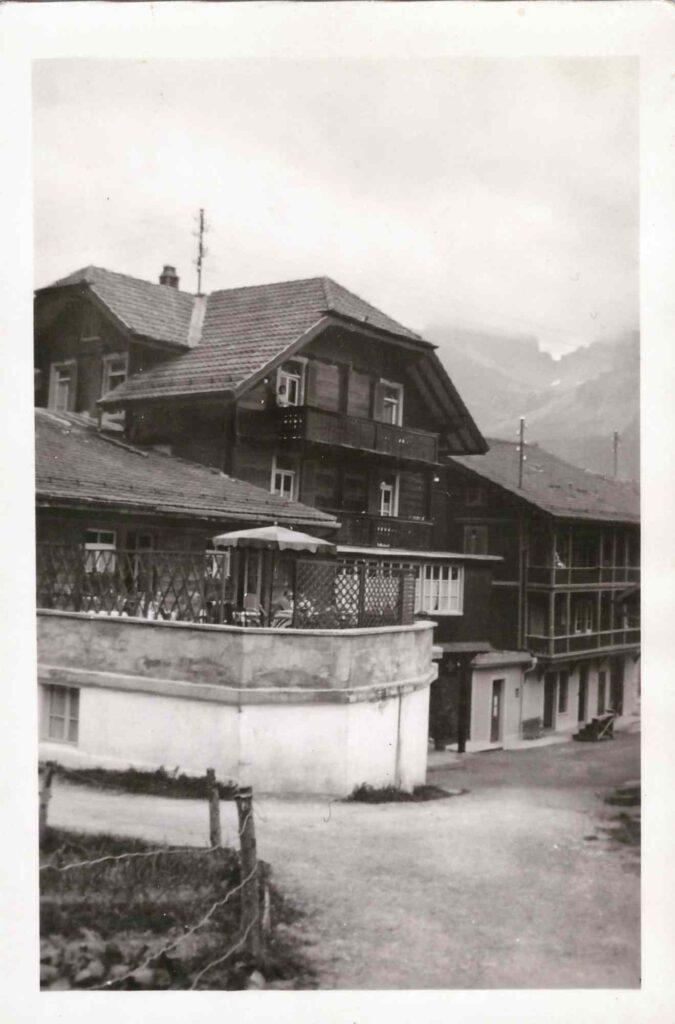 Bild: Ferien in den Bergen, vermutlich Berner Oberland