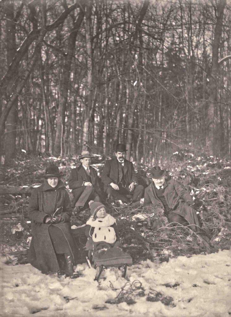 Bild: Albert Gürtler (re) im Jahr 1922 in den langen Erlen, Riehen/Basel