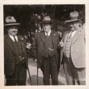 Bild: Albert Gürtler (re) mit zwei Unbekannten